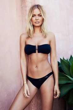Lara Bingle: Blonde Beach Look