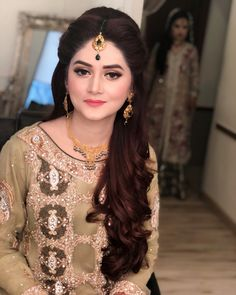 Amazing Wedding Makeup Tips – Makeup Design Ideas Hairstyle For Wedding Day, Bridal Hairstyle Indian Wedding, Best Wedding Hairstyles, Bride Hairstyles, Hairstyle Ideas, Wedding Makeup Tips, Wedding Makeup Looks, Engagement Hairstyles, Engagement Makeup