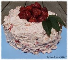 Gâteau des anges aux ananas et fraises