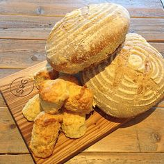 Morning, we are open from 12noon today with this amazing sourdough from @twelvetriangles for our grilled cheese sandwiches and tasty cheese scones! #sourdough #bread #cheesescones #cheese #Tuesdaylunch #stockbridge #Edinburgh