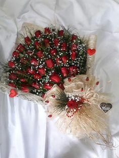 www.kirikkalecixcicek.com Wedding Locations California, Diy Flowers, Are You Happy, Flower Arrangements, Beautiful Flowers, Christmas Wreaths, Birthdays, Happy Birthday, Valentines