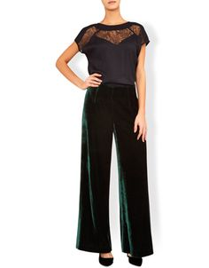 Wide-leg Velvet trousers are the ultimate chice for smart looks and evening dressing. Team the Vivienne high-waist pair with a printed shirt and blazer. Model wears UK 8/UK S/EU 36/US 4. Model height is 175 cm/5'9.