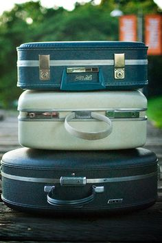 love the round ones.. this girl has an amazing collection    I <3 vintage suitcases.flicker.com