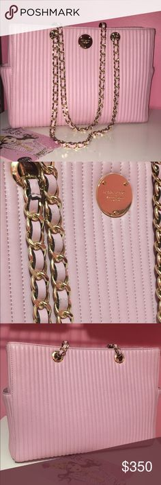 ⭐️Henri Bendel Pink No.7 ⭐️ ⭐️Henri Bendel purchased at 5 th Avenue .coems with dustbag this line is sold out . Beautiful pink leather gold hardwear . In great condition ! ⭐️ henri bendel Bags