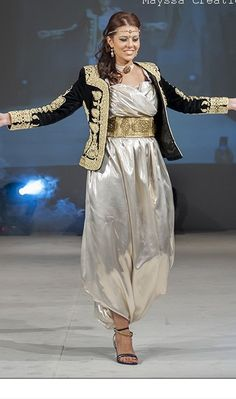 Arab Fashion, Womens Fashion, Afghan Dresses, Wedding Images, Salwar Suits, Traditional Dresses, Style Guides, Chiffon, Caftans