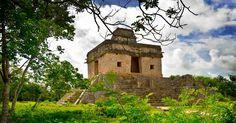 Photos and a brief history of the Mayan ruins of Dzibilchaltun Mayan near Merida, Yucatan, Mexico. Cenote Xlakah