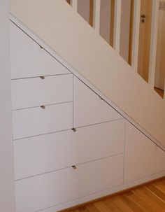 Wardrobe Room, Hanging Canvas, Under Stairs, Walk In Closet, Diy And Crafts, House Plans, Gallery Wall, Minimalist, Layout