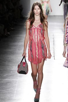 The complete Custo Barcelona Spring 2016 Ready-to-Wear fashion show now on Vogue Runway. Spring Summer 2016, Spring Summer Fashion, Runway Fashion, Fashion Show, Women's Fashion, Barcelona, Vogue, Couture Dresses, Stylish Outfits