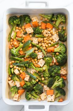 Sheet Pan Veggie Dinner with Broccoli Sweet Potato Tofu Chickpeas Sunflower seeds dressed with Miso Maple Dressing. Can be soyfree with chickpea miso. 20 gm of Protein Veggie Dinner, Paleo Dinner, Veggie Meals, Dinner Recipes, Sheet Pan Suppers, Vegetarian Recipes, Healthy Recipes, Comfort Food, Eat Smarter