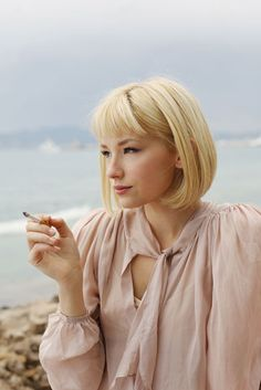 Haley Bennett - blonde bob with short bangs