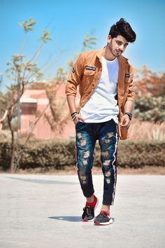 😍😍 new post 😍🤭 Best Poses For Boys, Photo Poses For Boy, Boy Poses, Portrait Photography Men, Fashion Photography Poses, Stylish Boys, Stylish Girl Pic, Mens Photoshoot Poses, High Fashion Men