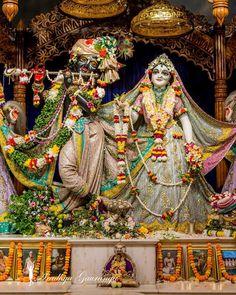 Shree Ganesh, Jai Shree Krishna, Krishna Radha, Radha Rani, Durga, Radha Krishna Love Quotes, Lord Krishna Images, Radha Krishna Pictures, Iskcon Krishna