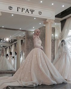 ❤️ ждем профессиональные фотки от @chahsai_photo макияж - @alzaya_makeup Платье - @salon_graff Фотограф- @chahsai_photo