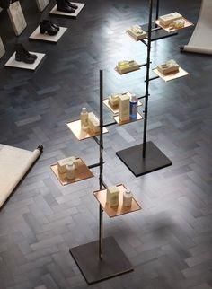 53 Bridal Boutique Interior Design Ideas - Home Decorations Trend 2019 Design Shop, Design Display, Visual Display, Design Design, Design Ideas, Bridal Boutique Interior, Boutique Interior Design, Showroom Design, Retail Fixtures
