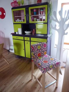 Karine's Henriksdal bar stool in Sagrada Blossom by Designers Guild from the Bemz Designer Collection. www.bemz.com