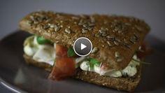 PPP broodje – pesto, pijnboompitten en parmaham - Rudolph's Bakery | 24Kitchen