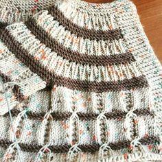 Crochet and Knitting Free 70 Patterns 2019 - Crochet Tricks and Tips Diy Crafts Knitting, Diy Crafts Crochet, Knitting For Kids, Easy Knitting, Baby Knitting Patterns, Knitting Stitches, Baby Patterns, Baby Vest, Baby Cardigan