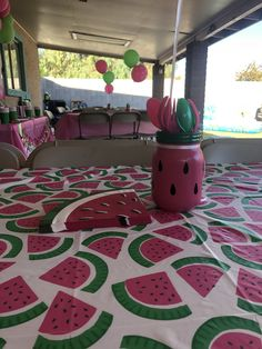 One in a melon centerpieces Baby Shower Watermelon, Watermelon Birthday Parties, 1st Birthday Party For Girls, First Birthday Themes, Half Birthday, First Birthdays, Birthday Ideas, Diy Baby Shower Decorations, Birthday Party Decorations