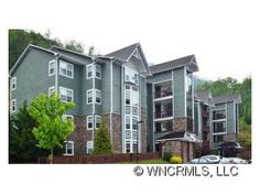 3 Bedrooms, 2 Baths, Garage, about 8 mins to downtown Asheville, NC When you look out the windows of this condo you do not see neighbors or a parking lot.  Pets(some restrictions) are allowed. Owners need to move! For more photos and info go to Realtor.com or donnaearl.com.