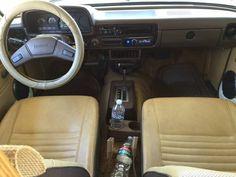 1983-Toyota-Sunrader-RV-cab.jpg (600×450)