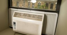 Tipos de filtros de aire para las funciones del aire acondicionado. Filtrar el aire en el sistema de aire acondicionado elimina el polvo, el humo y otros contaminantes que pueden obstruir el aire acondicionado e irritar los pulmones. Los aires acondicionados pueden usar una variedad de filtros, cada uno con sus propias características y desventajas especiales. Muchos de los filtros también son lavables, en lugar ...