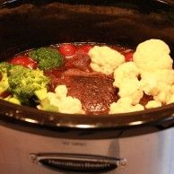 Low Carb Crockpot Recipes.<5 means less than 5 carbs. For that after baby dieting....sigh...
