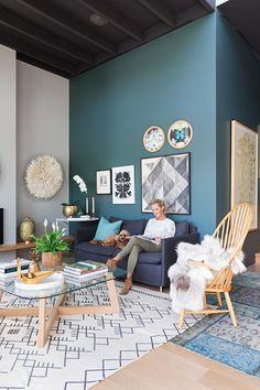 Elige el color azul para decorar tu casa y triunfarás seguro - https://decoracion2.com/color-azul-para-decorar-casa/ #Decorar_En_Azul, #Salón_En_Color_Azul, #Sofás_Azules