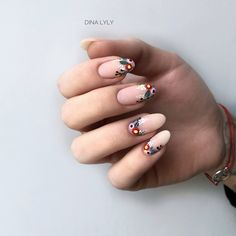 What Christmas manicure to choose for a festive mood - My Nails Nude Nails, Nail Manicure, Diy Nails, Acrylic Nail Designs, Acrylic Nails, Nagel Gel, Artificial Nails, Nail Decorations, Flower Nails