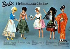 I had Holland, Sweden and Japan. Barbie Around the World Costumes Foreign Ad, Play Barbie, Barbie I, Barbie Dream, Barbie World, Barbie And Ken, Barbie Costume, Barbie House, Vintage Barbie Clothes, Vintage Dolls