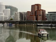 Gehry's Dancing Office Blocks in the Düsseldorf Media Harbour. #germany #indierail