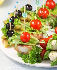 Koreczki | AniaGotuje.pl Caprese Salad, Fruit Salad, Appetizer Recipes, Appetizers, Finger Foods, Feta, Catering, Grilling, Healthy Recipes
