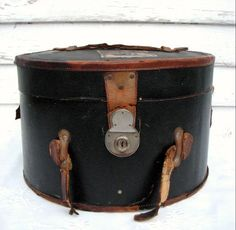 Vintage Hat Box Leather by PoetryofObjects on Etsy, . Vintage Suitcases, Vintage Luggage, Vintage Trunks, Vintage Hat Boxes, Vintage Hats, Vintage Antiques, Vintage Items, Leather Hats, Black Leather