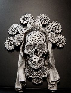 This would be perfect for the Memento Mori shrine area. Memento Mori, Samhain, Crane, Day Of The Dead Skull, Skull Painting, 3d Studio, Bizarre, Mexican Art, Mexican Skulls