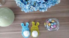 Little crochet bunnies - link to free pattern: http://linhasimaginarias.blogspot.com.br/2015/03/pascoa.html