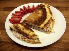 Vaječná omeleta French Toast, Breakfast, Ethnic Recipes, Food, Morning Coffee, Essen, Meals, Yemek, Eten
