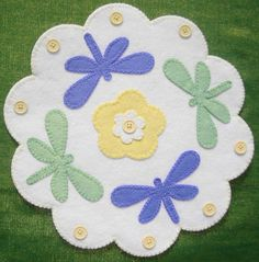 Wool Applique & Punch Needle Sewing Kits at Mill House Quilts Felt Crafts Patterns, Wool Applique Patterns, Felt Embroidery, Felt Applique, Ribbon Quilt, Felted Wool Crafts, Wool Quilts, House Quilts, Felt Decorations
