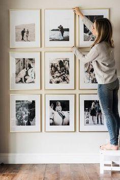 fotowand gestalten schöne erlebnisse ausstellen