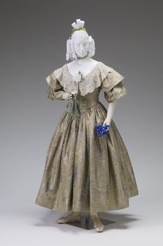 Ball Gown  circa 1836-1840    Place object was created: United States    Silk damask