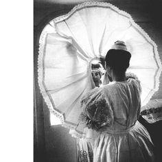 Öltöztetik a menyasszonyt. Kazár, Nógrád m. Costumes Around The World, Folk Dance, Central Europe, Folk Costume, Traditional Design, Hungary, Old Things, Around The Worlds, 1