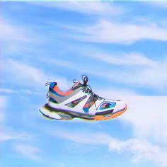 Balenciaga Track 🔝 •  loveislove  beautiful  effect  glitch  city  milano   view  new  shoes  addicted  balenciaga  balenciaga  photography  photo ... 120166310a20