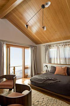 Oregon Coast Home - contemporary - bedroom - portland - Jessica Helgerson Interior Design Home, Contemporary Bedroom, Bedroom Design, Feng Shui Bedroom Colors, Cozy House, Beautiful Bedrooms, Interior Design, Bedroom Colors, Moroccan Decor Bedroom