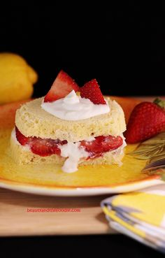 Quick Paleo Strawberry Lemon Shortcake/ Grain free and vegetarian. With low carb, nut fee, starch free, and dairy free options. Easy, fast, creamy, strawberry, lemon goodness.