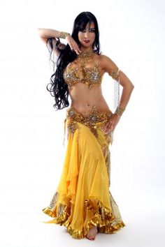 Brazilian Bellydancer Renata Lobo. What a fabulous costume!