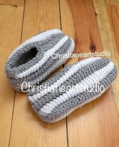 Phentex house shoes slippers hand knitted by ChristianeArtStudio Knit Slippers Free Pattern, Knitted Slippers, Crochet Slippers, Knit Crochet, Knitting Socks, Baby Knitting, Crochet Ripple Afghan, Double Knitting Patterns, Creative Knitting