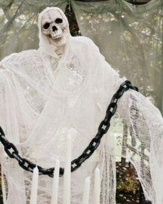 Spooky Outdoor Halloween Decorations