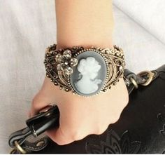 Beautiful Vintage Bronze Hollow Cameo Bracelet