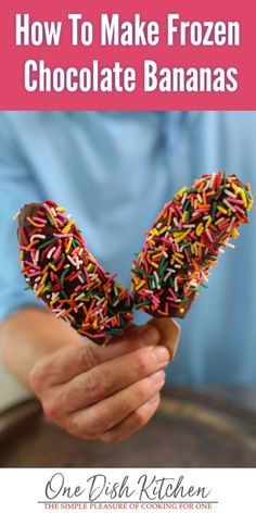 A frozen chocolate banana makes the perfect treat! Made with just one banana, chocolate and sprinkles for fun. So easy to make and the perfect cure for a sweet craving. | #bananas #frozenbanana #frozenchocolatebanana #dessert Frozen Banana Recipes, Frozen Desserts, Fun Desserts, Delicious Desserts, Frozen Treats, Yummy Treats, Paletas Recipes, Fruit Recipes, Sweet Recipes