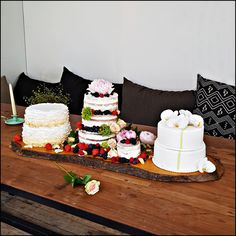 Wedding cake trio, why choose if you can have it all?