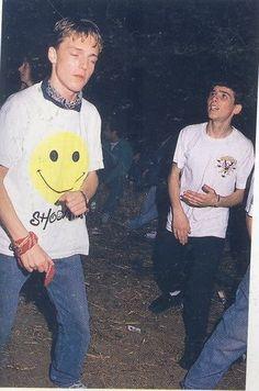 Rave Raver UK cool shoom shirt