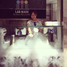 Lab Made Liquid Nitrogen Ice Cream Laboratory Lab Made 分子雪糕專門店 Ice Cream Cart, Ice Cream Parlor, Make Ice Cream, Ice Cram, Ice Cream Packaging, Liquid Nitrogen, Cocktail Night, Dry Ice, British Summer
